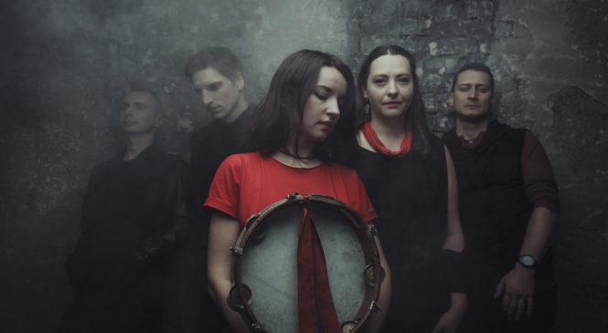 Группа GG ГуляйГород выпустила трек про влюбленного зайчика