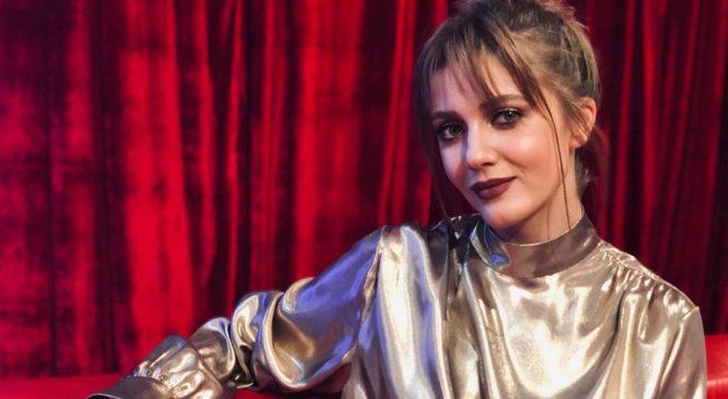 Певица KOLA представила зажигательный сингл «Синхрофазотрон»