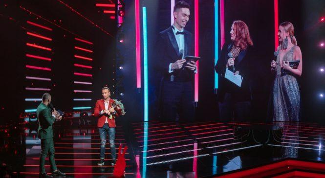 Олег Винник стал лучшим певцом Украины
