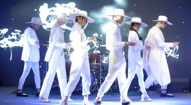 Балет D'Arts презентовал стильный «белый» номер «#Easy»