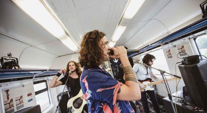 Презентация в поезде: группа Epolets представила сингл «Блищи»