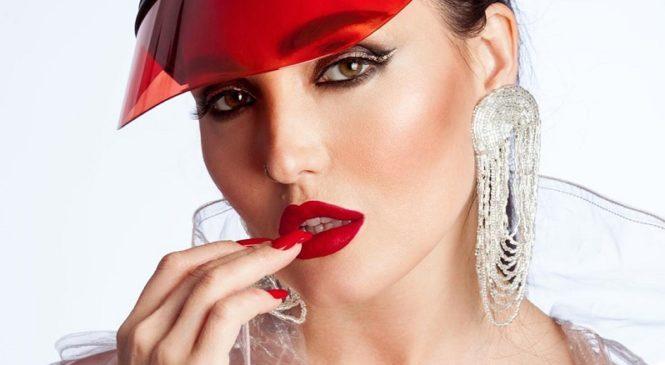 Анна Добрыднева выпустила новый стильный трек «Молодi»