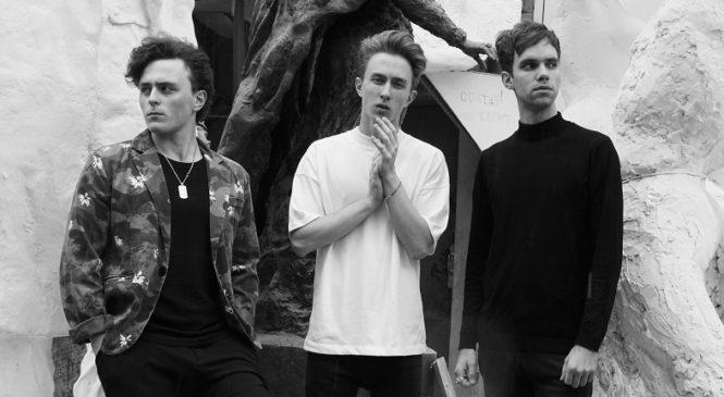 Группа Mountain Breeze порадовала поклонников новым осенним хитом