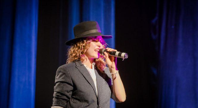 Украинская певица завоевала золото на международном музыкальном фестивале в Сербии