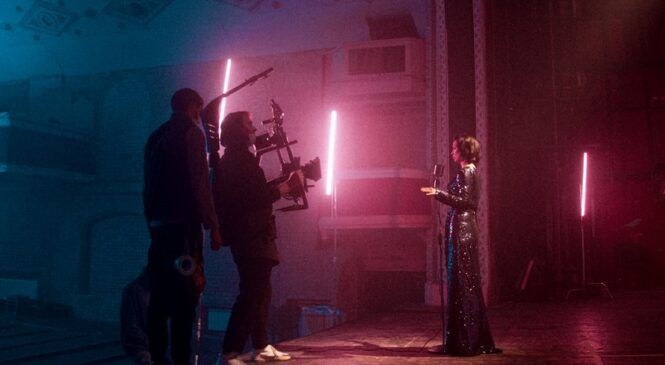 Певица MISS IRIS представила новый клип «Пьяная без вина»